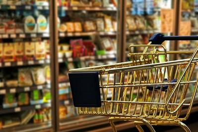 Dietetyk radzi: co kryje się na sklepowych półkach, czyli jak czytać etykiety produktów spożywczych!
