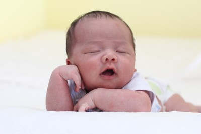 Twoje dziecko śpi z otwartą buzią? To niebezpieczne!