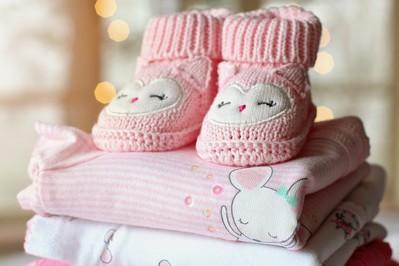 Kiedy i jak prać ubranka dla noworodka? Kompletujemy wyprawkę