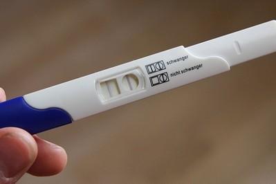 Test ciążowy: kiedy najwcześniej wykrywa ciążę?